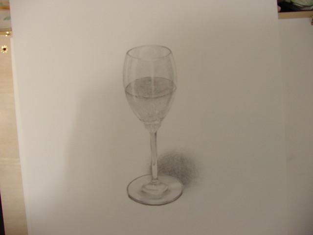 ジュースの入ったワイングラス