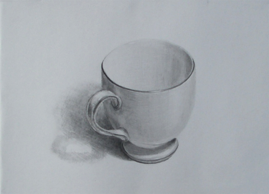 陶器製の白いティーカップ