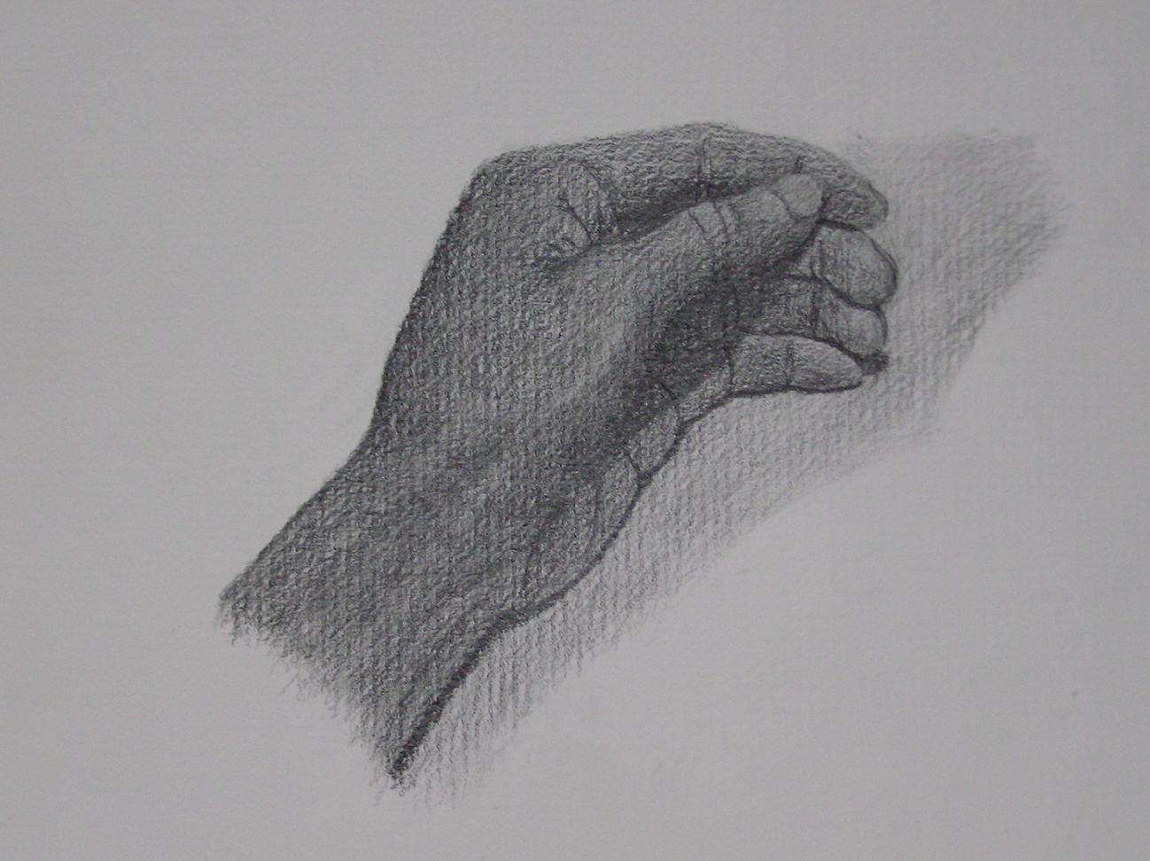 机に置いた手
