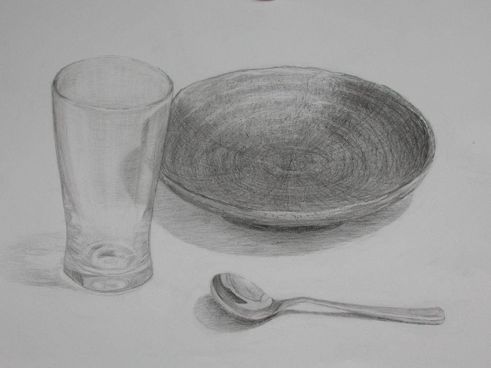ガラスのコップとスプーンと陶器