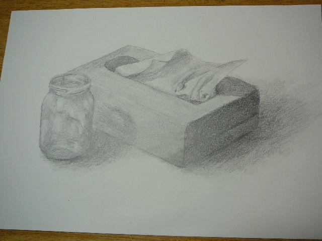 ティッシュ箱とジャムの空きビン