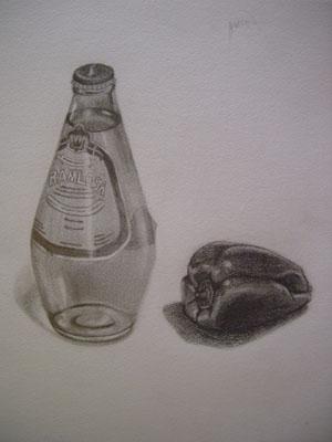 瓶とピーマン
