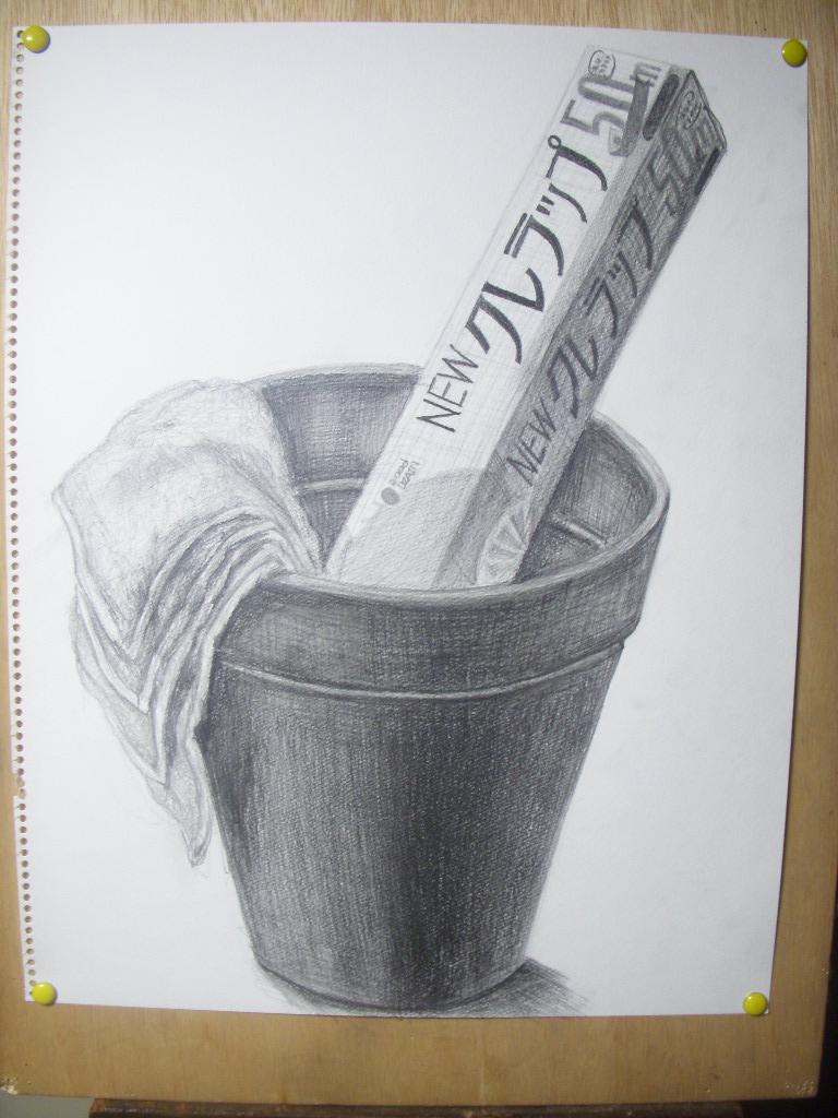 植木鉢、サランラップ、水色のタオル