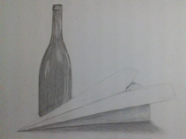 ビン、紙飛行機